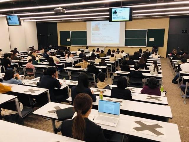 常葉大学で講義をしました